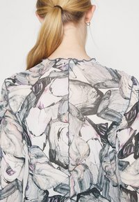 Monki - FAIRLY TOP - Maglietta a manica lunga - marble stone - 4
