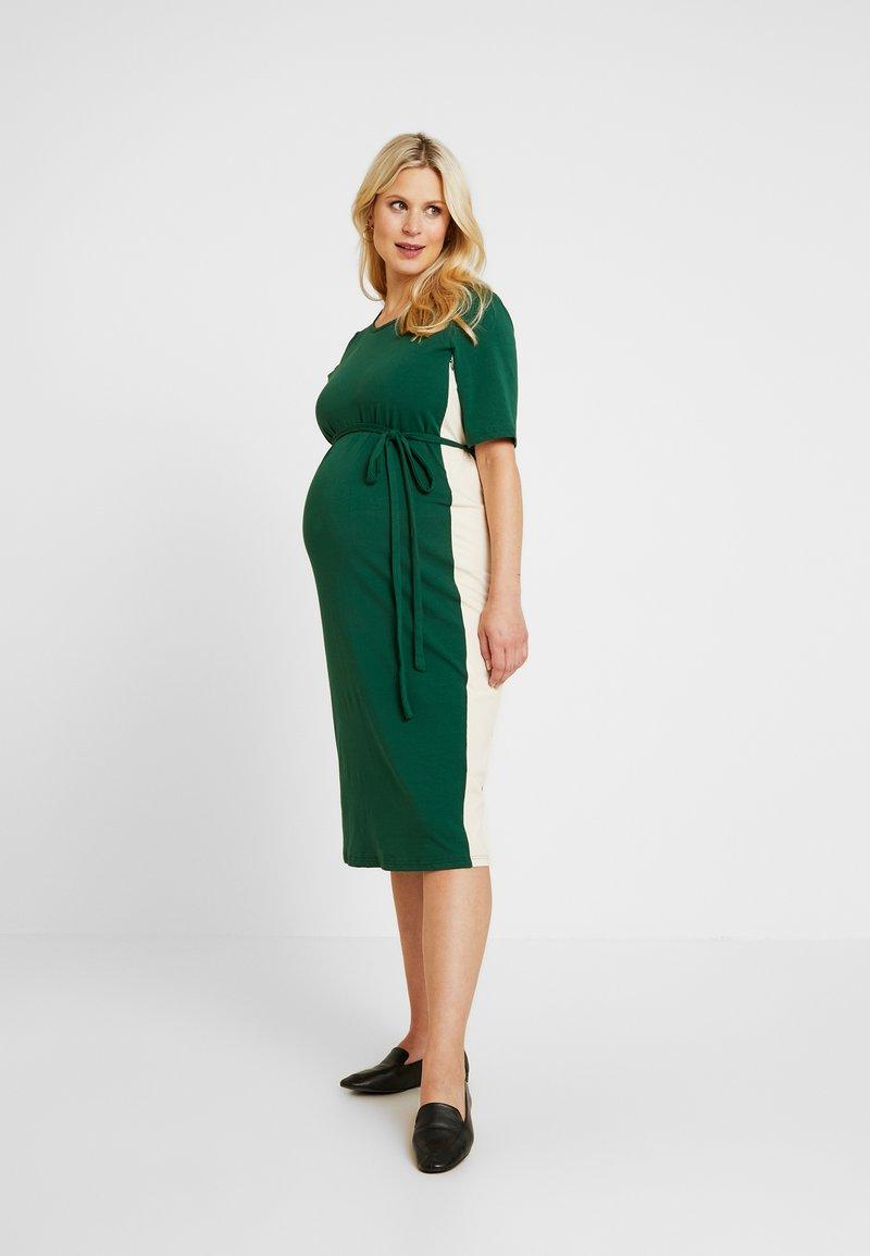 Glamorous Bloom - MIDI STRIPE DRESS WITH KNOT BELT - Jerseyjurk - dark green/contrast