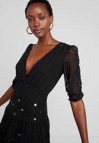Desigual - VEST NAILA - Denní šaty - black - 3
