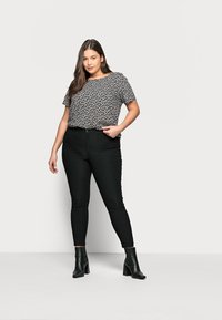 Noisy May Curve - NMSOLINE SOLID PANTS - Kalhoty - black - 1