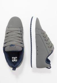 DC Shoes - COURT GRAFFIK - Skatesko - grey - 1