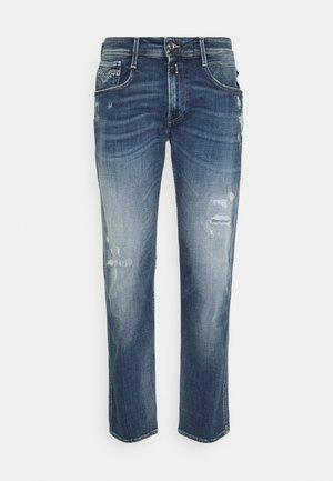 ANBASS AGED  - Jeansy Straight Leg - medium blue
