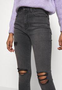 Good American - LEGS CROP - Jeans Skinny Fit - black - 4