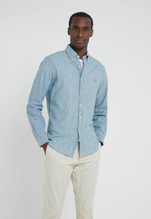 Shirt - medium wash