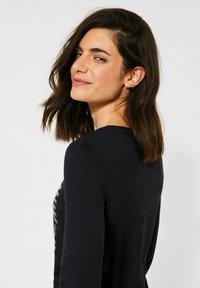 Cecil - MIT WORDING PRINT - Long sleeved top - schwarz - 2