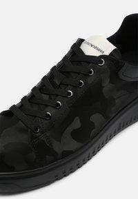 Emporio Armani - Sneakers basse - black - 4