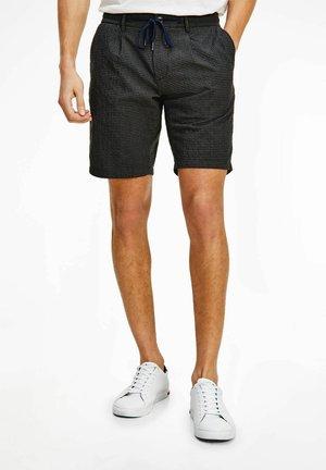 Shorts - silber