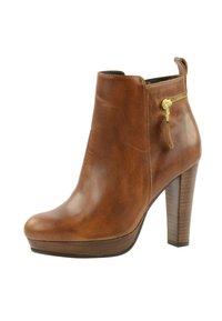sacha - Classic ankle boots - cognac - 2