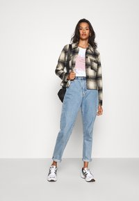 ONLY - ONLLOU CHECK JACKET - Summer jacket - pumice stone/black - 1
