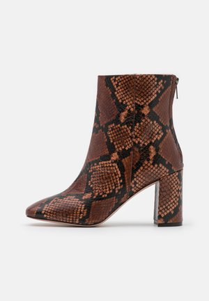 SNAKE ALEX BOOT - Kotníkové boty - dry cinnamon