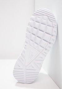 Nike Sportswear - AIR MAX COMMAND FLEX - Trainers - white - 4