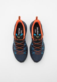 Salewa - MS DROPLINE GTX - Outdoorschoenen - dark denim/black - 3