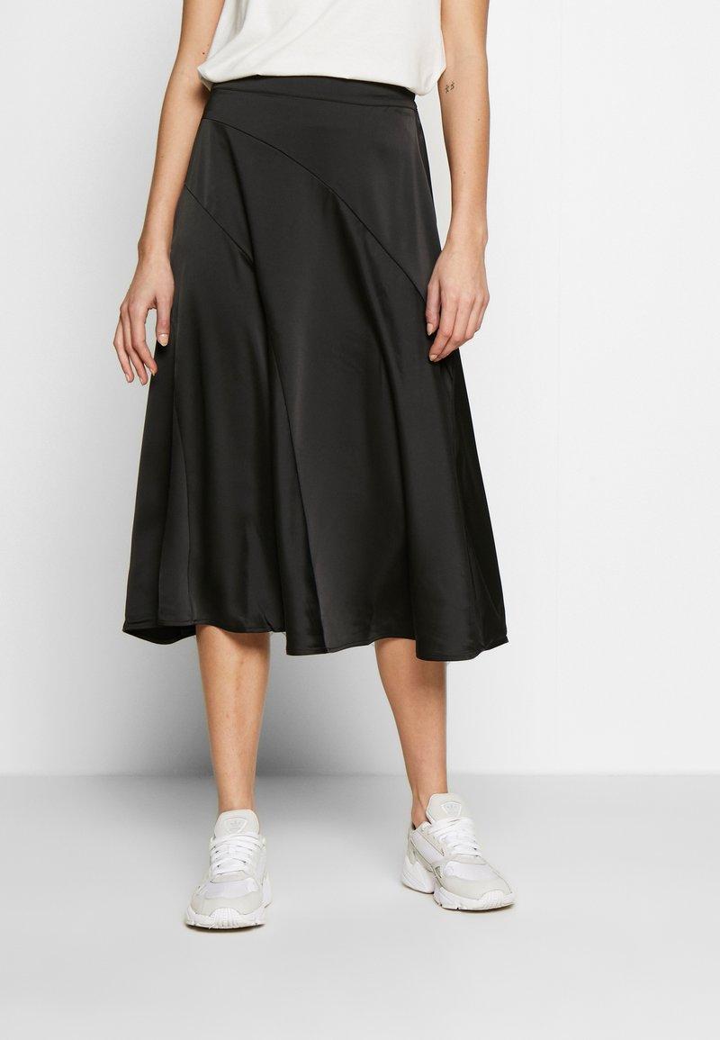 Vero Moda - VMGABBI CALF SKIRT - Áčková sukně - black