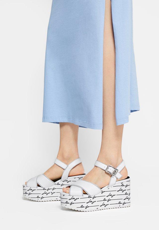 BELLA WEDGE - Sandály na klínu - white
