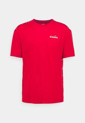 BE ONE TECH - Print T-shirt - lychee