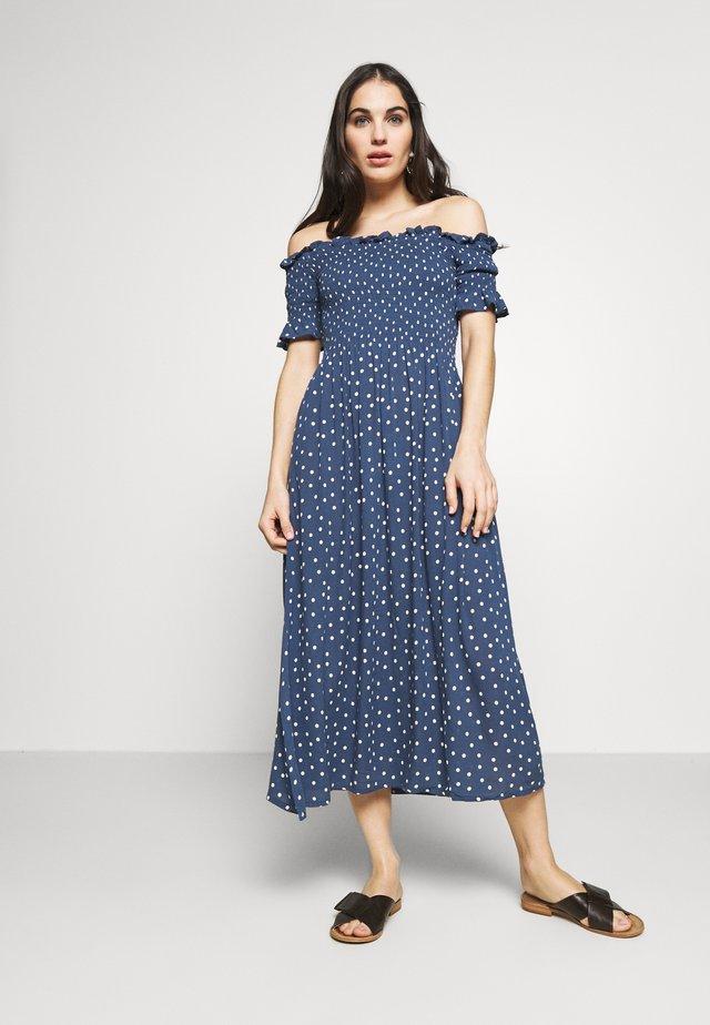 AMARA DRESS - Complementos de playa - pacific blue