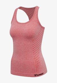 Hummel - SEAMLESS - Sports shirt - sugar coral melange - 3