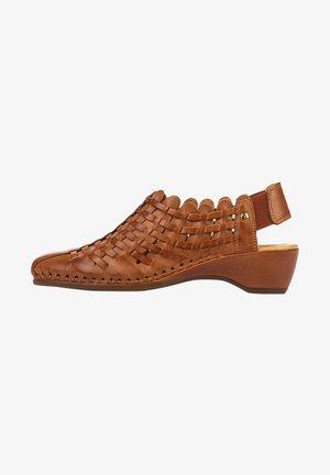 Sandals - brandy
