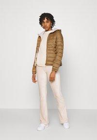 ONLY - ONLNEWTAHOE CONTRAST HOOD JACKET  - Light jacket - toasted coconut/pumice stone - 1
