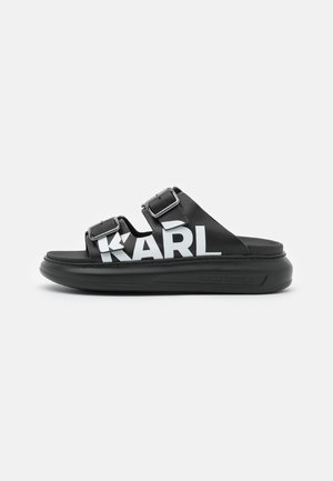 KAPRI DOUBLE BUCKLE LOGO - Matalakantaiset pistokkaat - black