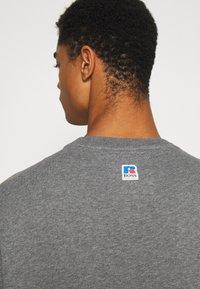 BOSS - BOSS X RUSSELL ATHLETIC STEDMAN - Sweatshirt - medium grey - 3