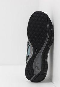 Skechers Performance - GO RUN CONSISTENT - Obuwie do biegania treningowe - black/grey - 4
