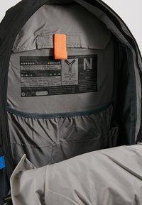 Deuter - TRANS ALPINE 30 - Hiking rucksack - black/graphite - 4
