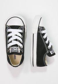 Converse - CHUCK TAYLOR ALL STAR CORE - Sneakersy niskie - black - 1