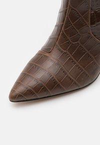 Kurt Geiger London - BICKLEY - Boots - brown - 5
