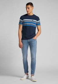 Lee - STRIPY PKT - Print T-shirt - navy - 1