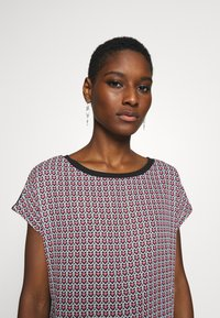 Esprit Collection - TEE WITH  - T-shirt z nadrukiem - black - 3