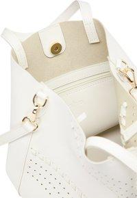 usha - Handbag - white - 3