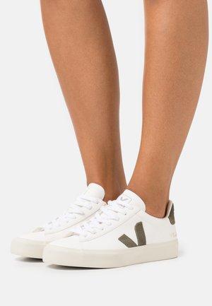 CAMPO - Zapatillas - extra white/kaki