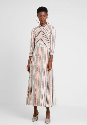 YASJAYLEEN DRESS - Długa sukienka - star white/multi