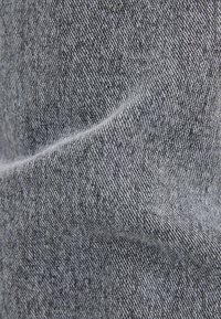 Bershka - MIT ELASTISCHEM BUND  - Jean droit - dark grey - 5