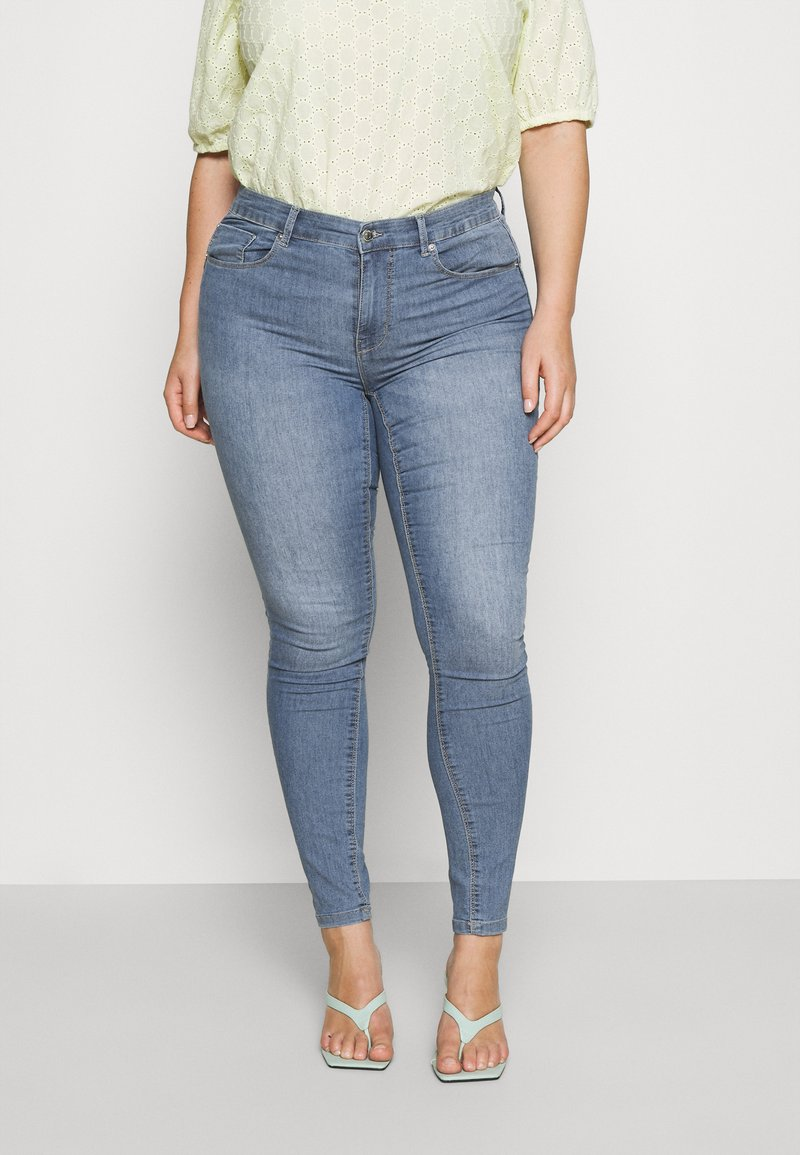 ONLY Carmakoma - CARHIRIS LIFE PUSHUP - Jeans Skinny Fit - light blue
