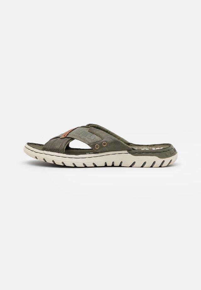 Pantofle - dunkelgrün