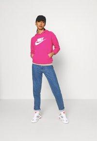 Nike Sportswear - HOODIE - Kapuzenpullover - fireberry/white - 1