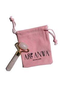 ARI ANWA Skincare - MINI ROSENQUARZ ROLLER - Skincare tool - - - 1