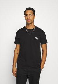 Alpha Industries - FOIL EXCLUSIVE - Print T-shirt - black/metal silver - 0