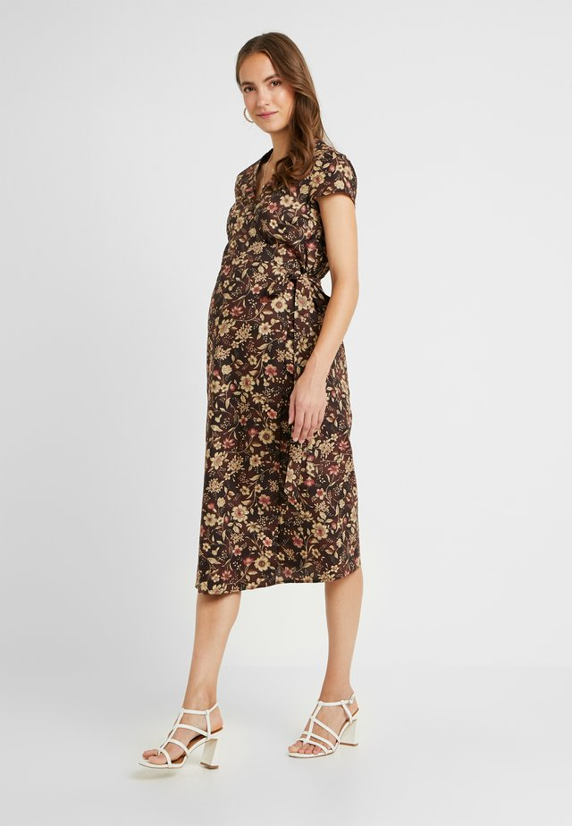 SHORT SLEEVE TRUE WRAP DRESS - Korte jurk - brown