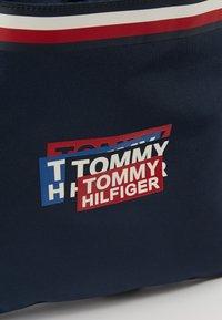 Tommy Hilfiger - KIDS CORP DRAWSTRING BACKPACK - Sportovní taška - blue - 2