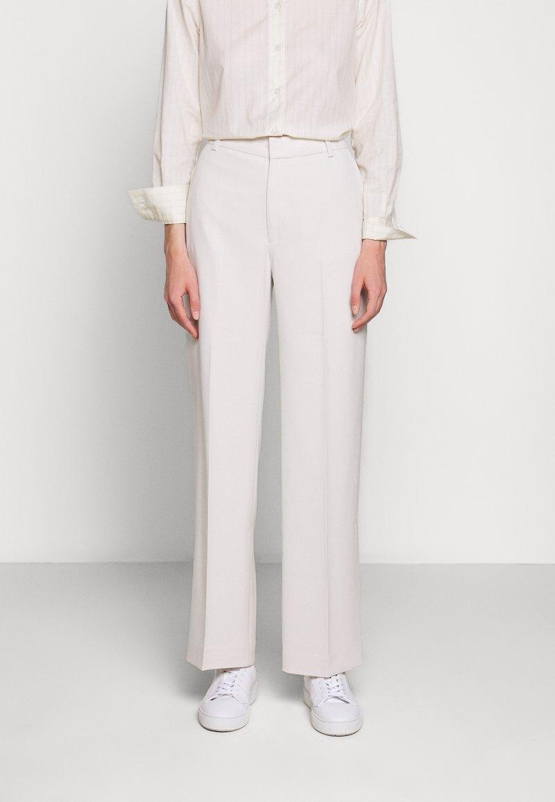 Filippa K - HUTTON TROUSERS - Pantalon classique - ivory