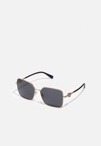 Solglasögon - matte gold-coloured
