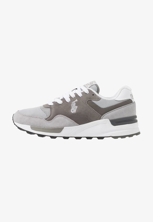 Sneakers laag - channel grey