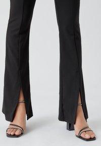 PULL&BEAR - Pantalon classique - mottled black - 5