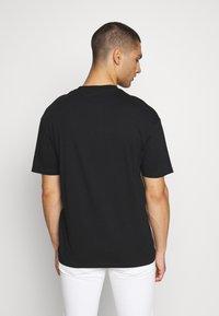 Jack & Jones - JOROVAL TEE CREW NECK - T-shirt med print - dusty olive - 2