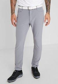Calvin Klein Golf - GENIUS TROUSERS - Sports shorts - silver - 0