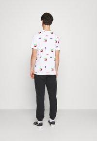 Nike Sportswear - TEE BRANDRIFF - T-shirt med print - white - 2