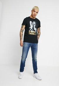 Replay - 2PAC TEE - Print T-shirt - black - 1